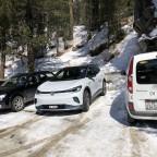 trotz RWD und Schnee mit Sommerpneus kein Problem beim Parken